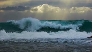 wave-1940721_1280.jpg